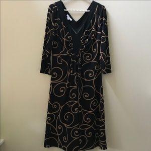 Long sleeve swirl print dress